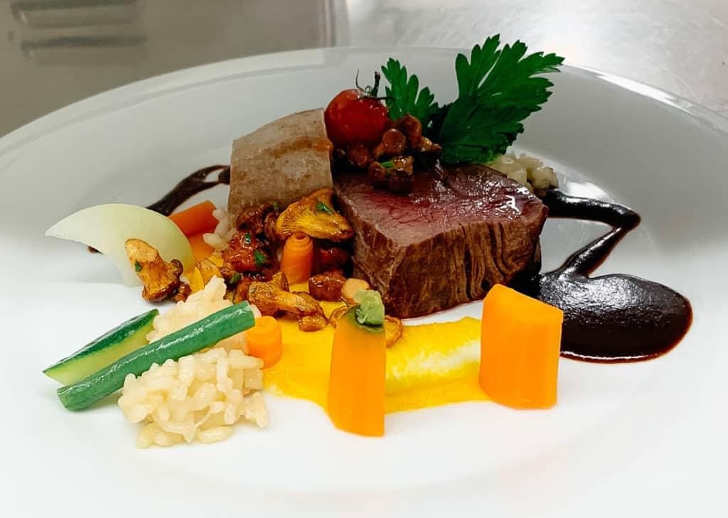 Restaurant Gut Mausbeck Bochum Rinderfilet mit Gemüse